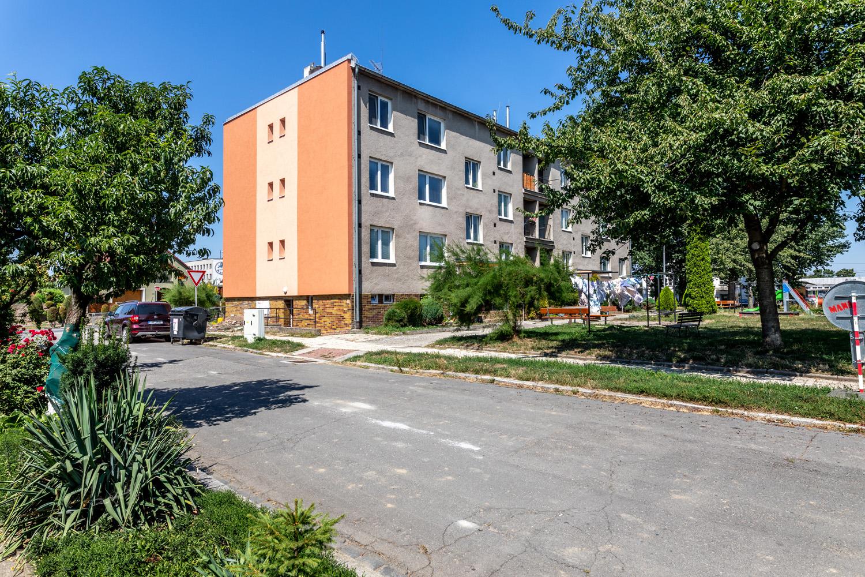Stavební úpravy bytového domu Axmanova 3761-62, Kroměříž
