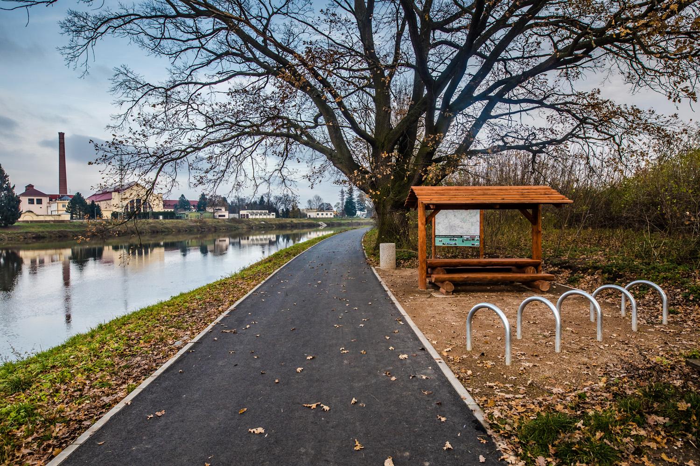 Labská cyklostezka, úsek Čelákovice - Lázně Toušeň